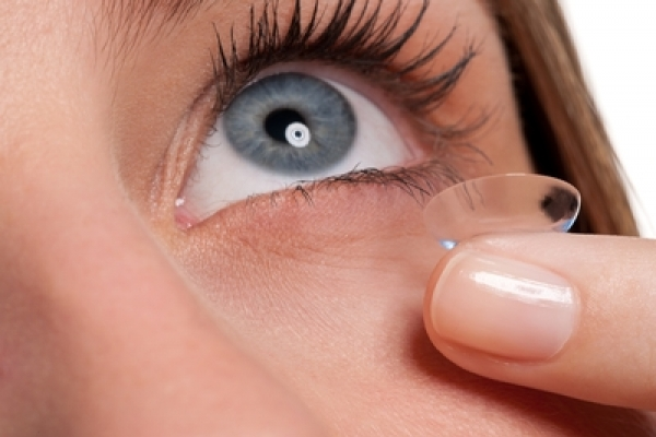 cd819c806d556 Como retirar as lentes de contato